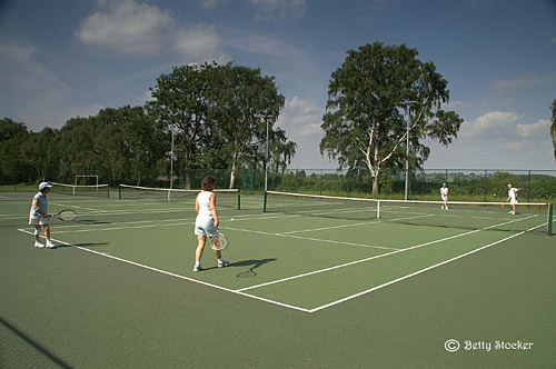 Chipping Campdcen Tennis Club